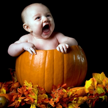 Cute Ideas for Baby's First Halloween Picture